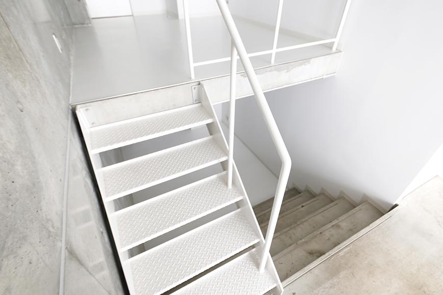 大曽根【クレイタスパークI】106号室_洋室(4帖)への階段_MG_2229
