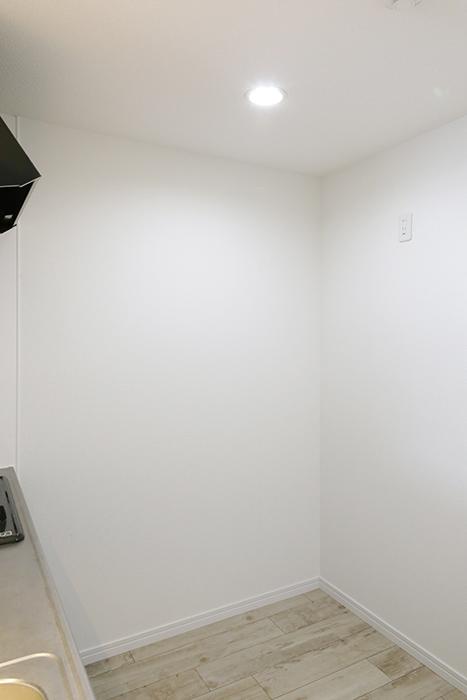 岡崎【アネシス】_C号室_二階_LDK_キッチン周り_冷蔵庫置き場_MG_6441