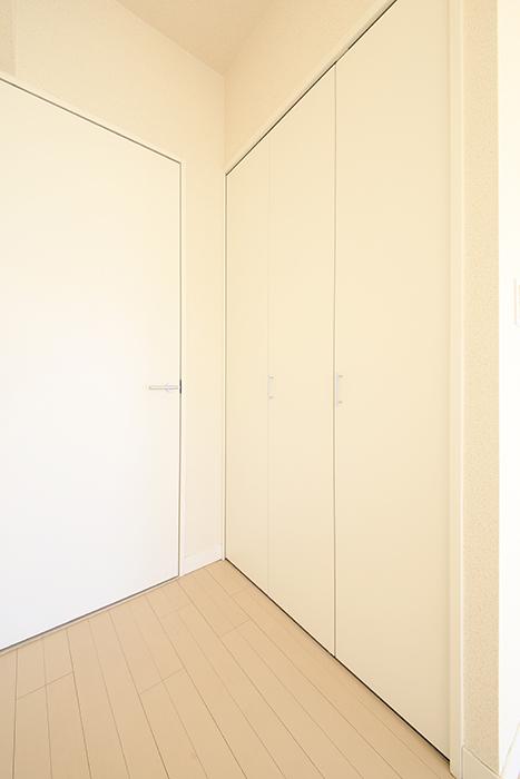 【ミュプレ矢場町】601号室_居室_クローゼット収納_MG_0532