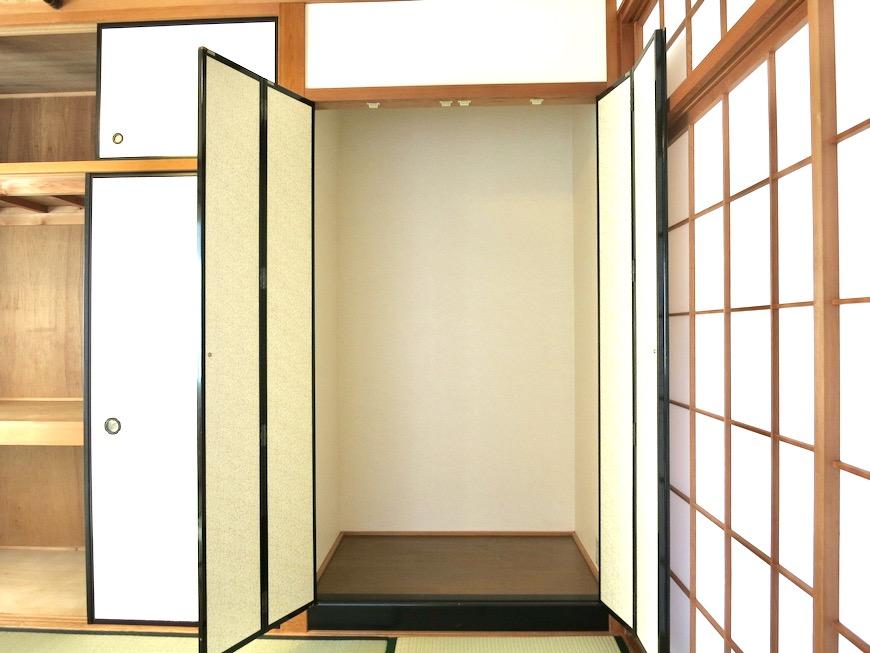 2F 10帖和室 和洋折衷 広い和室とスヌーピー オフィス・ペット可 城主町貸家7