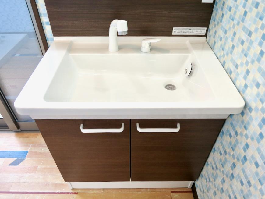 1F サニタリー&バストイレ。 和洋折衷 広い和室とスヌーピー オフィス・ペット可 城主町貸家9
