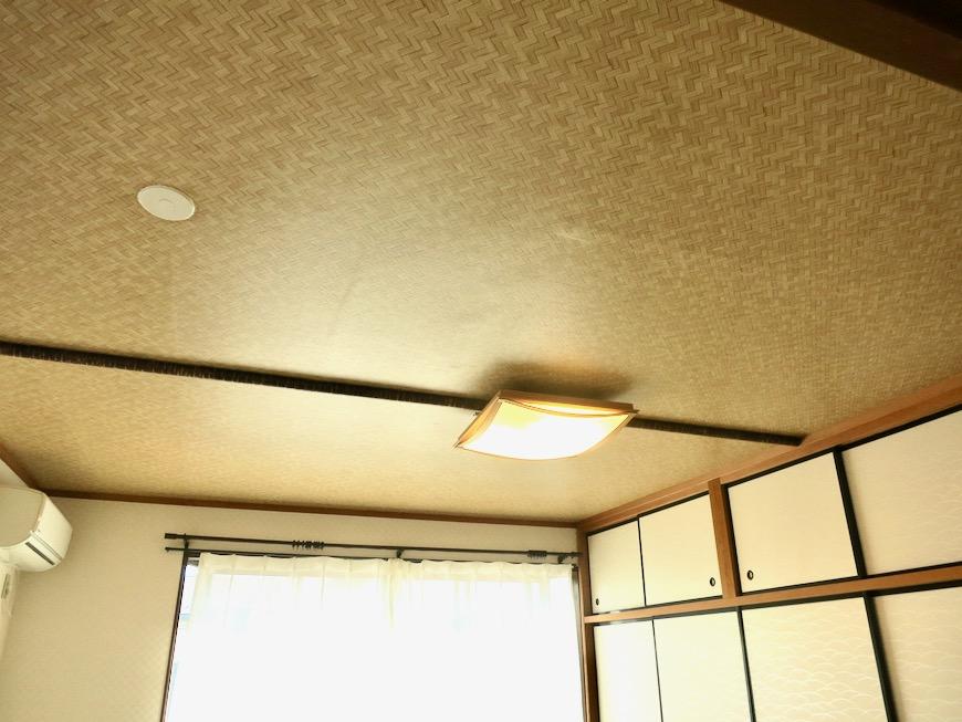 2F 10帖和室 和洋折衷 広い和室とスヌーピー オフィス・ペット可 城主町貸家3