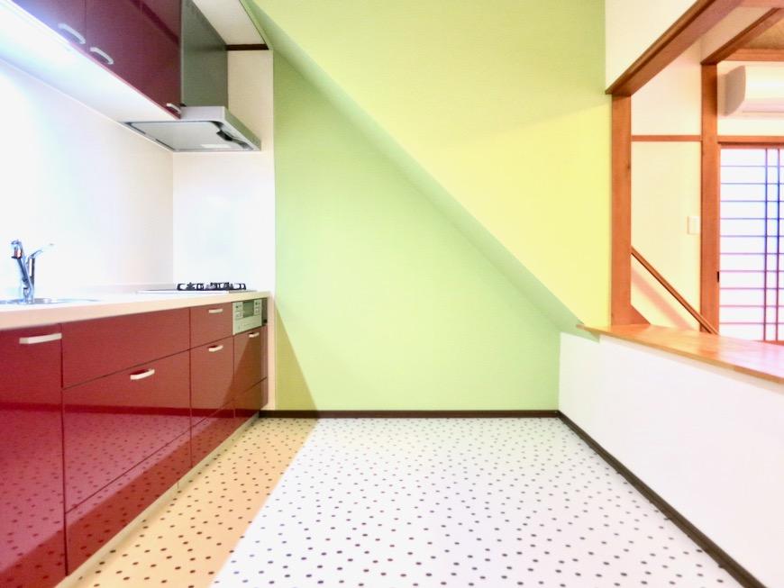1F キッチン 和洋折衷 広い和室とチャーリーブラウン オフィス・ペット可 城主町貸家1