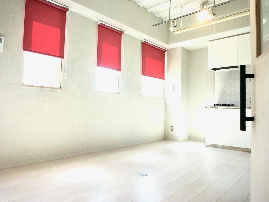 ●7帖個室 土壁風仕上げの壁 BOX HOUSE 4A6