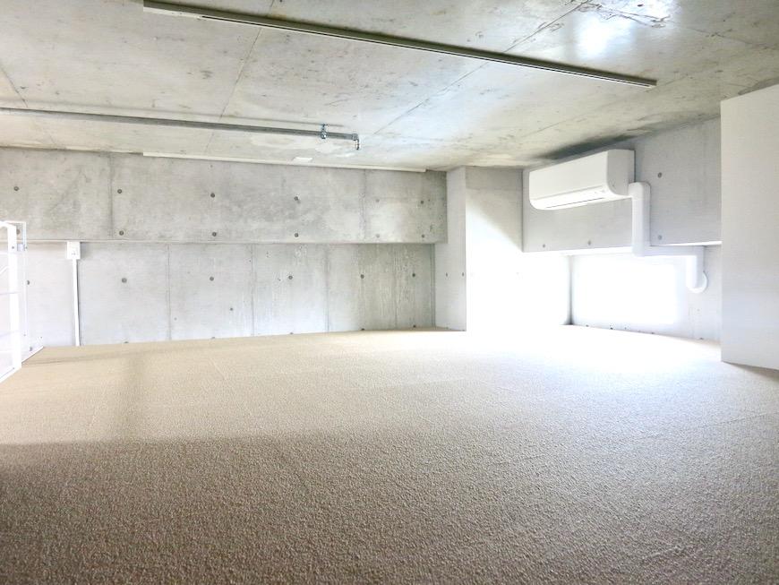 ロフト13帖 美 Solent motoyama 801号室 グランドピアノが置ける部屋1