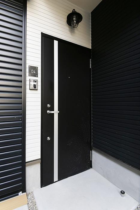 【ガレラ守山】4号室_玄関ドア_MG_6985