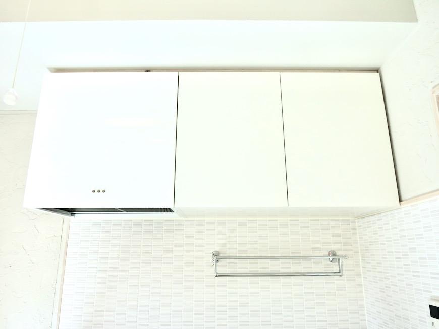 システムキッチン 土壁風仕上げの壁 BOX HOUSE 4A3