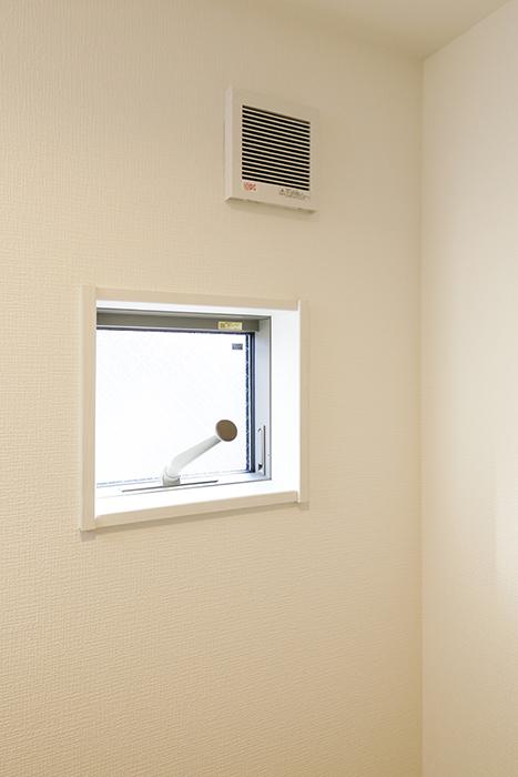 【ガレラ守山】4号室_2階_水回り_窓もあるので換気◎_MG_7207