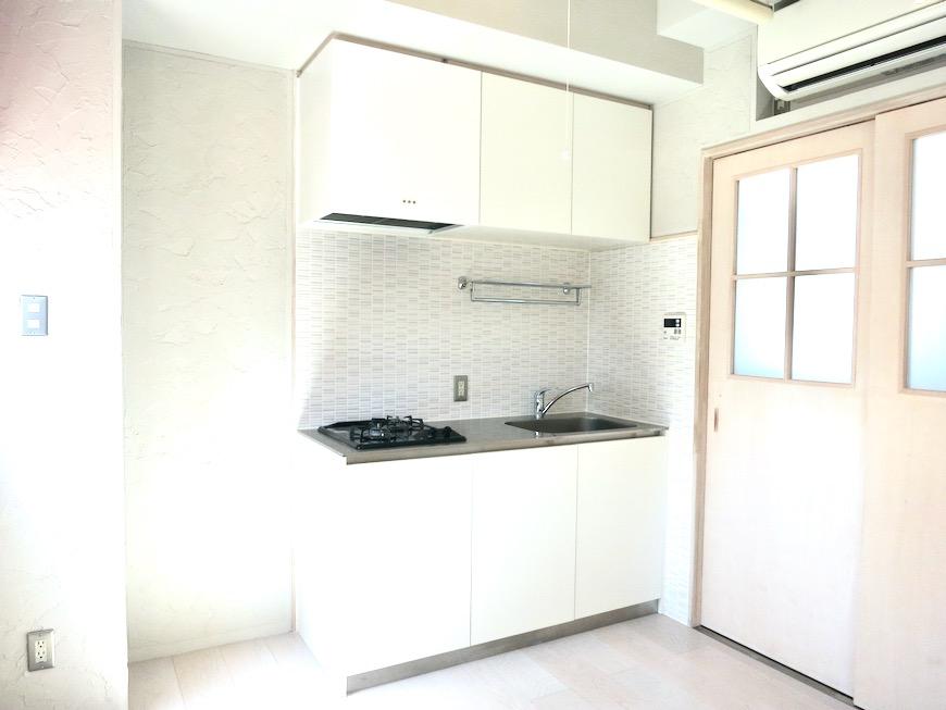 ●7帖個室 土壁風仕上げの壁 BOX HOUSE 4A14