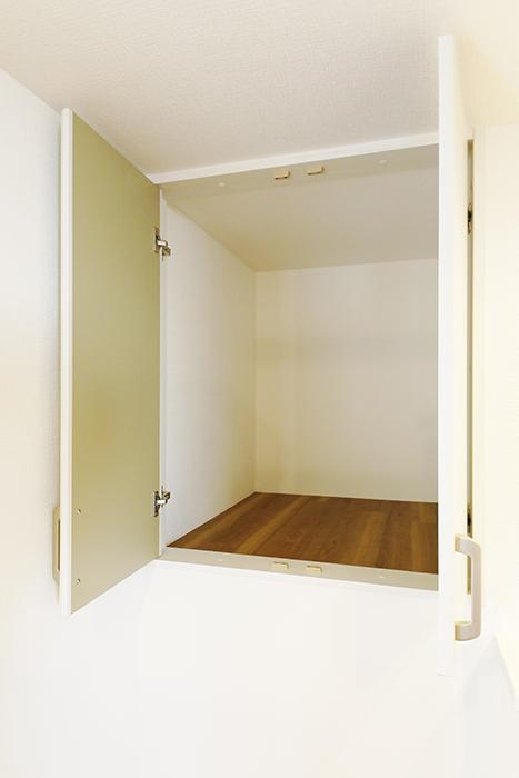 【ガレラ守山】4号室_3階_洋室_階段付近の収納スペース_MG_7310