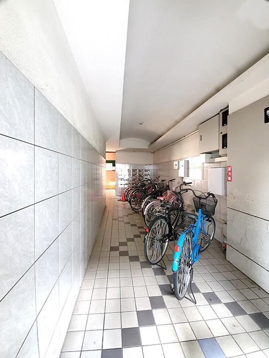 1階自転車置き場