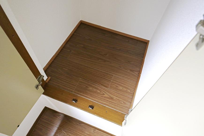 清須市【シャトー】102号室_三階_洋室(東側)_窓際に収納スペース_MG_8760
