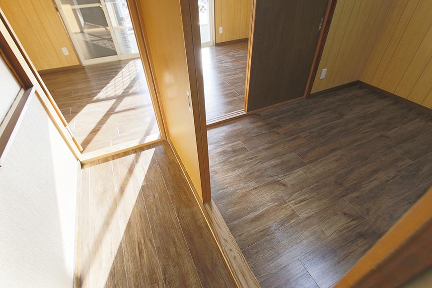【ステップス江南 A棟】二階_廊下から洋室への眺め_MG_8082