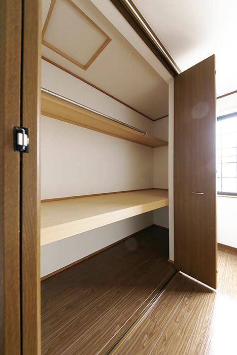 清須市【シャトー】102号室_三階_洋室(西側)_クローゼット収納_MG_8800