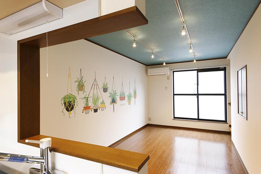 清須市【シャトー】102号室_二階_LDK_キッチンからリビングへの眺め_MG_8652