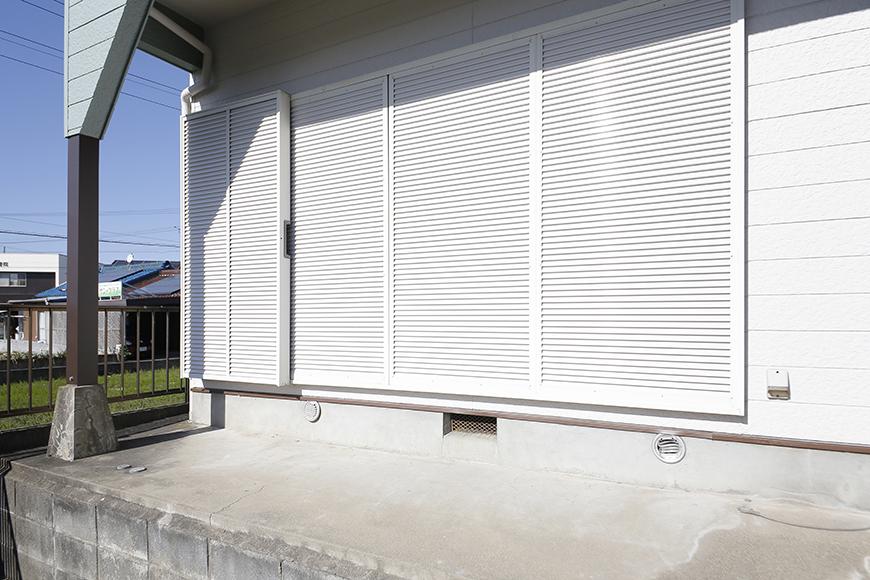 【ステップス江南 A棟】外観・共有部_窓には雨戸完備です_MG_7692