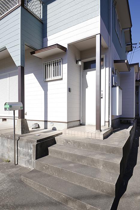 【ステップス江南 A棟】外観・共有部_玄関へのアプローチ_MG_7684s