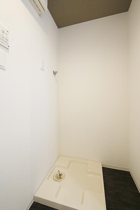【NNS121】904号室_水回り_室内洗濯機置き場_MG_0828