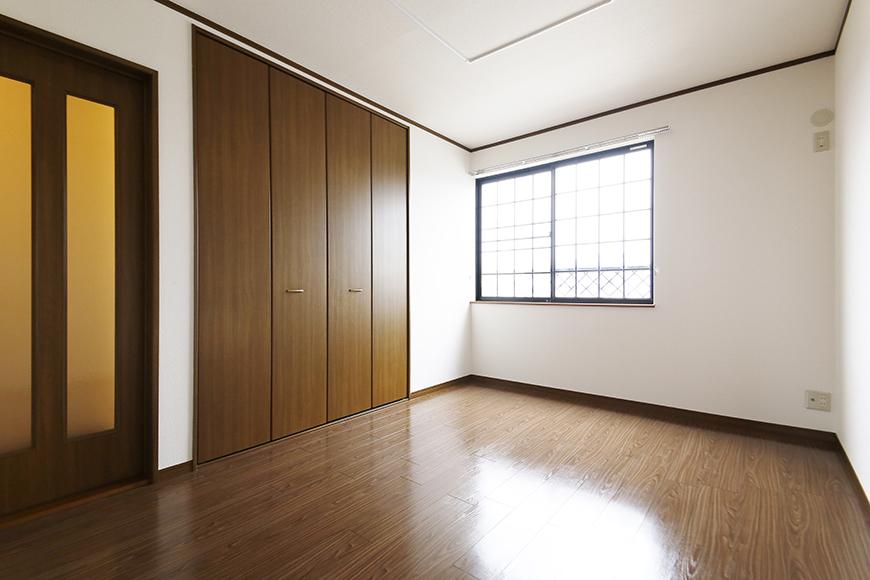 清須市【シャトー】102号室_三階_洋室(西側)_全景_MG_8776