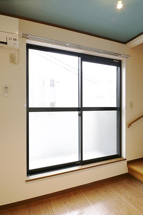 清須市【シャトー】102号室_二階_LDK_ベランダへの窓_MG_8678