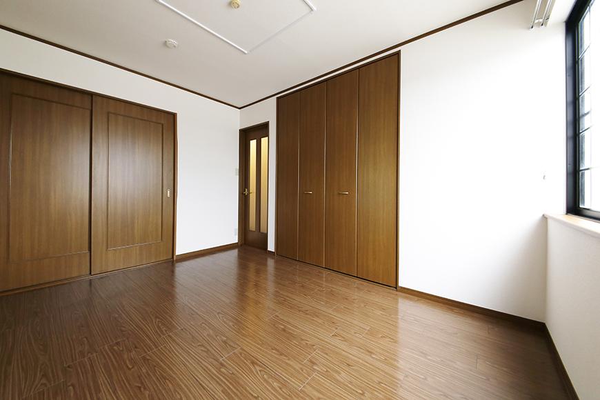 清須市【シャトー】102号室_三階_洋室(西側)_全景_MG_8781