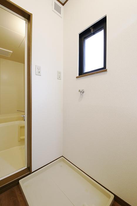 清須市【シャトー】102号室_一階_水回り_室内洗濯機置き場_MG_8546