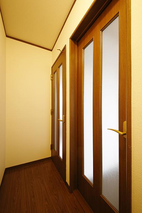 清須市【シャトー】102号室_三階_洋室へのドア_MG_8731