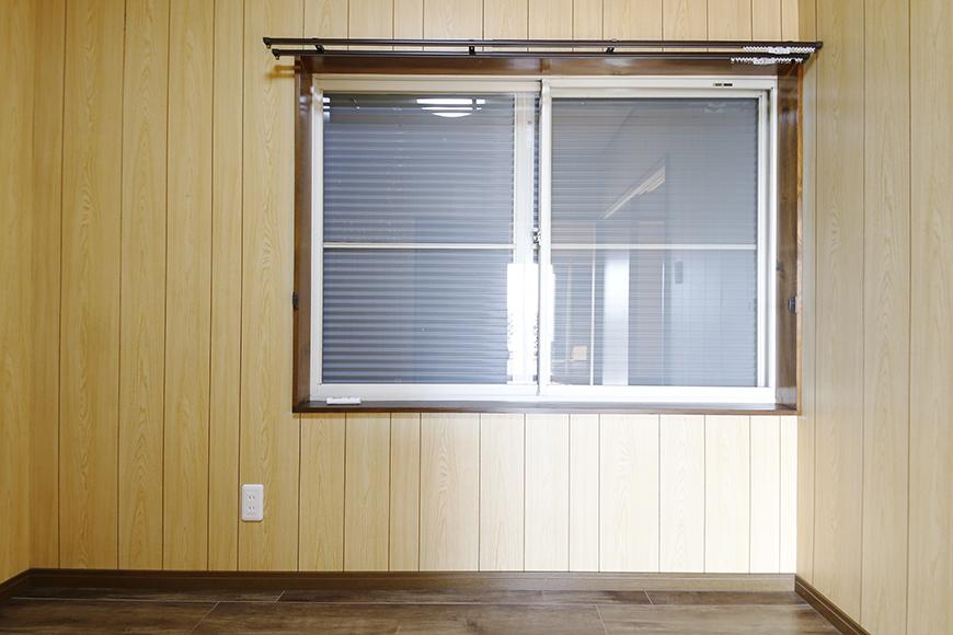 【ステップス江南 A棟】二階_洋室(4.5帖)_窓には雨戸完備です_MG_7973