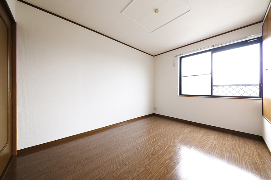 清須市【シャトー】102号室_三階_洋室(東側)_全景_MG_8737
