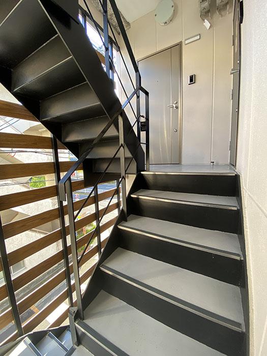 メゾリエ車道階段