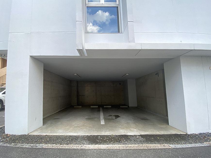 MATRIX38駐車場