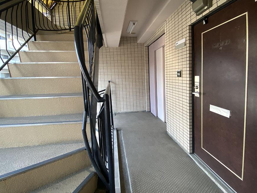 セジュール金山玄関