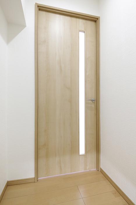 【ハイライク栄ハイツ】_805号室_玄関_LDKへのドア_MG_3004
