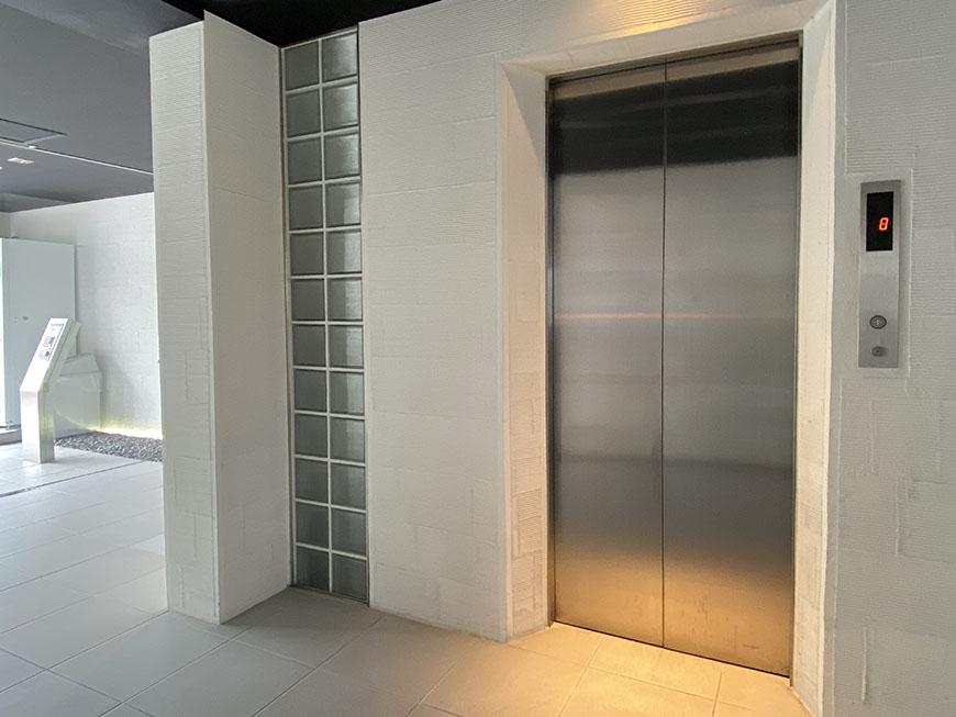 YOSHINOSQUAREエレベーター