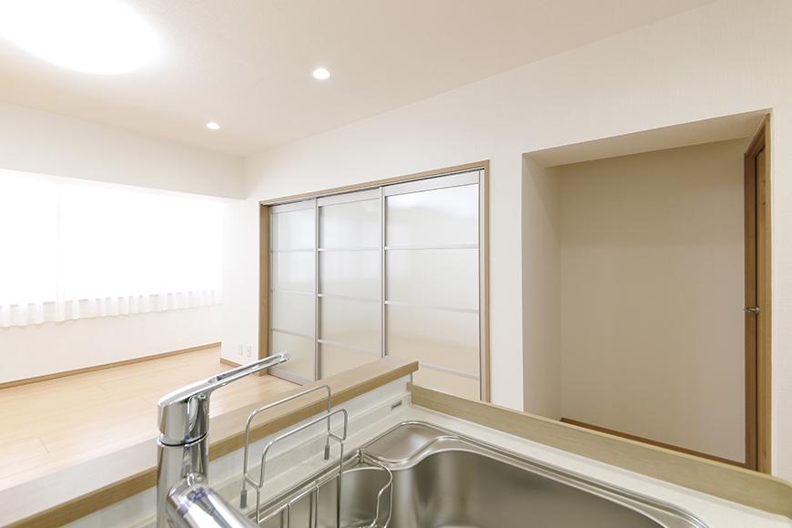 【ハイライク栄ハイツ】_805号室_LDK_キッチンからの眺め_MG_3117