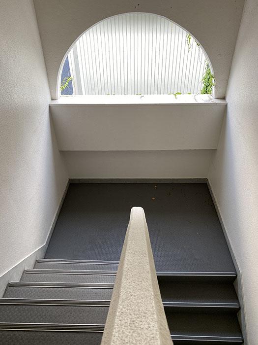 プロスパー第8ビル階段