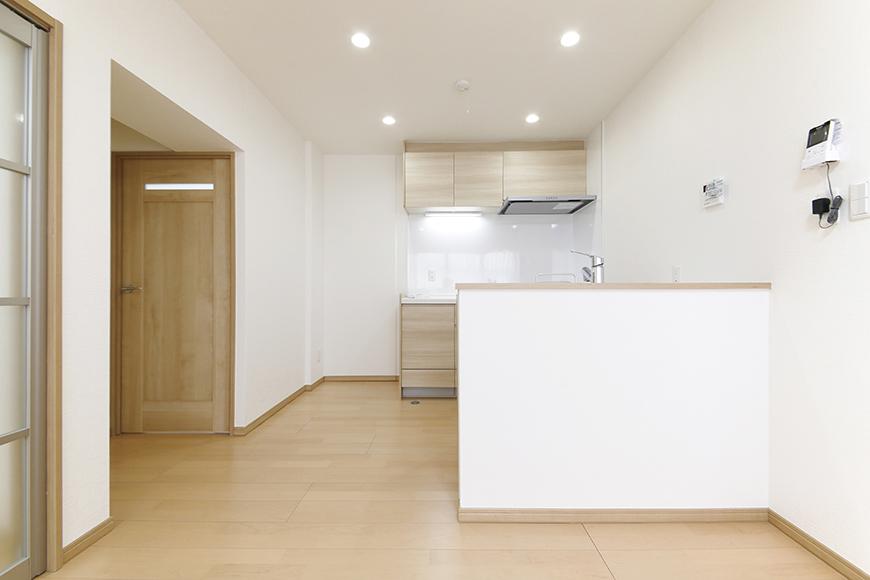 【ハイライク栄ハイツ】_805号室_LDK_キッチンを正面から_MG_3123