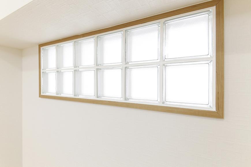 【ハイライク栄ハイツ】_805号室_洋室1_明かりを取り込む窓_MG_3312