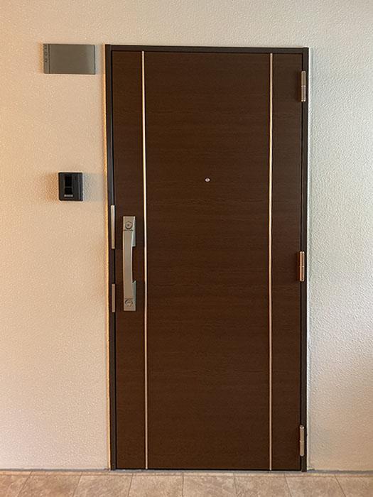 カーサルチア202号室玄関