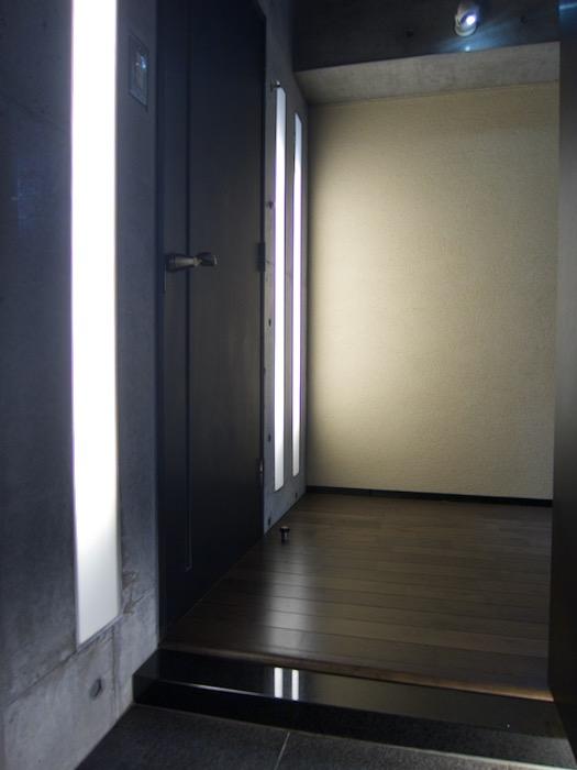 玄関 照明inコンクリート「印象派」ARK HOUSE 南館3-C 00002