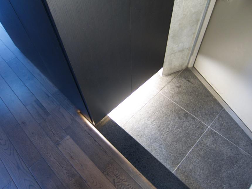 玄関 照明inコンクリート「印象派」ARK HOUSE 南館3-C 00008