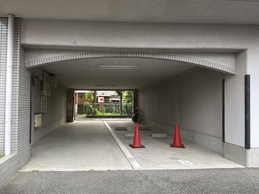 グローバル露橋駐車場