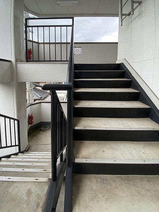 MA MAISON 弐番館 階段