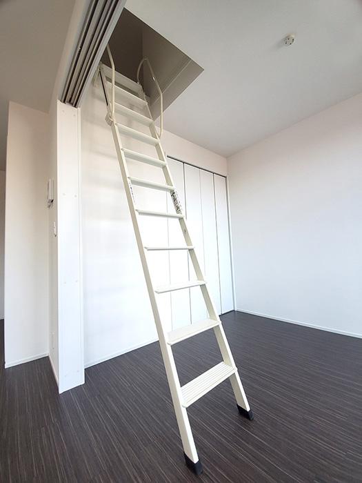 31_B_洋室はしご1