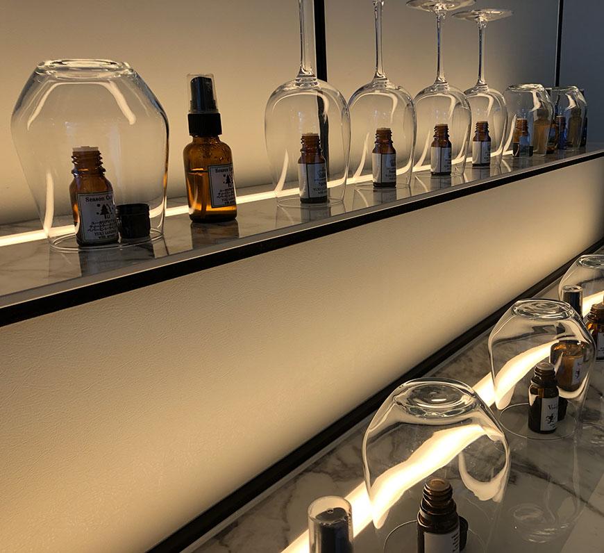 アロマ2_aroma barに並ぶYUKI LONDON aromaのアロマの数々