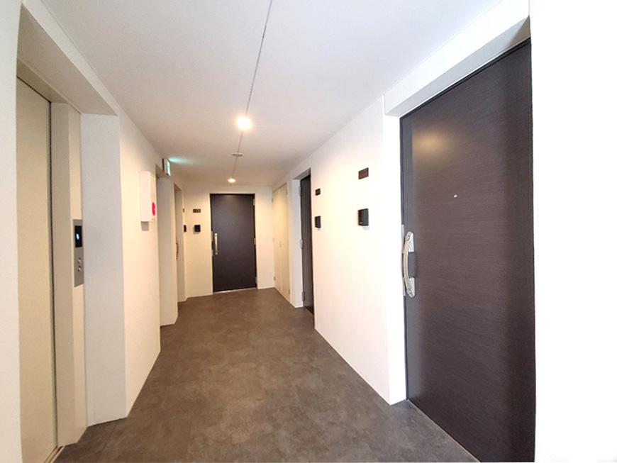 4階共用部廊下