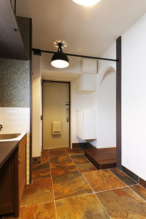 ロイヤルハイツタニ_306号室_ワークスペースから玄関への眺め_MG_2047
