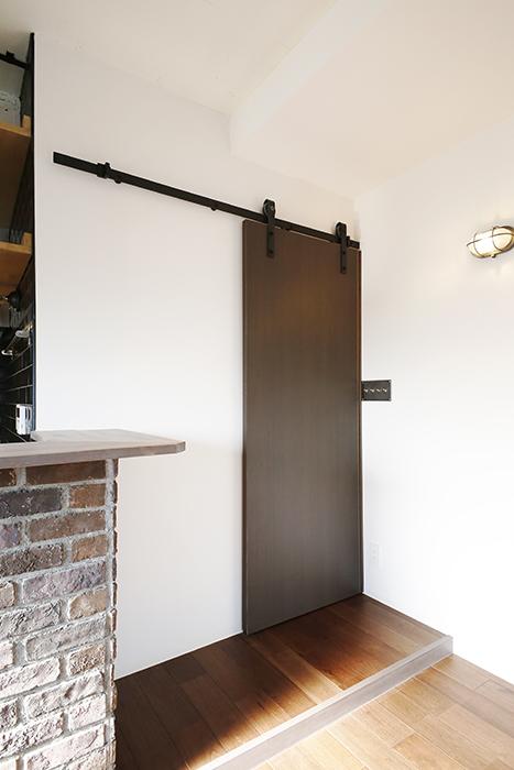 ロイヤルハイツタニ_306号室_LDK_廊下との仕切りドア_MG_2763