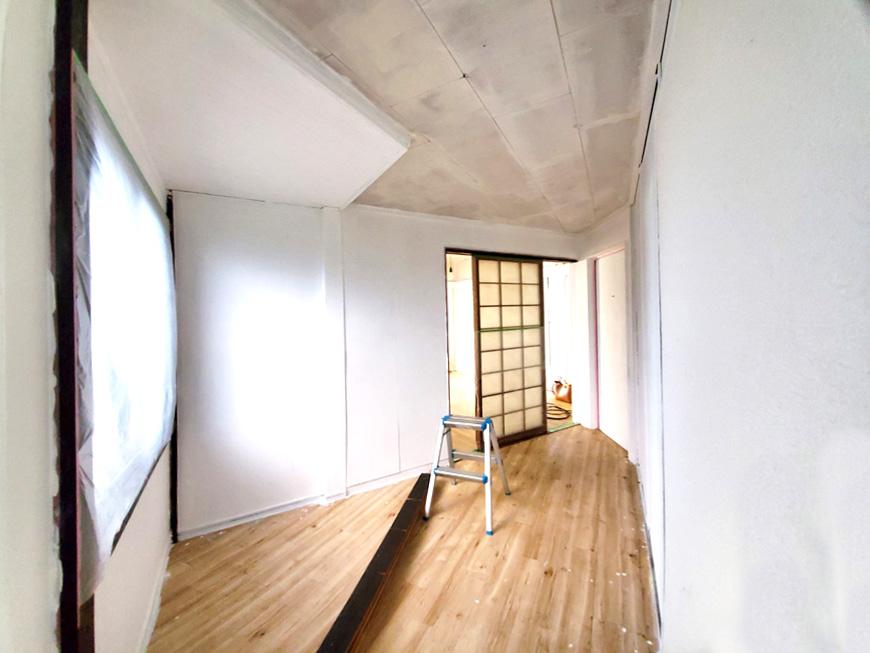 1階奥への踊り場_20201114