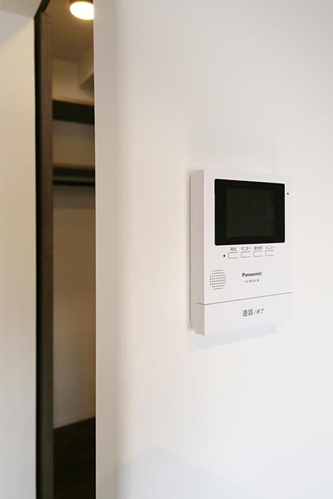 ロイヤルハイツタニ_306号室_LDK_リビング_TVモニタ付きインターフォン_MG_2654